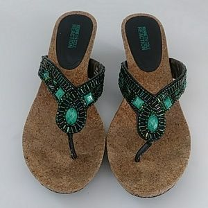KENNETH COLE REACTION TURQUOISE BEADED SANDALS 8.5